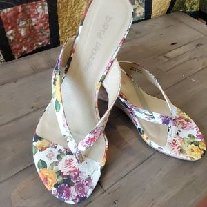 Dirty Laundry floral heeled thong sandal